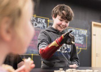 stampa 3d protesi - Raimi Davis - open bionics