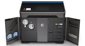 Stampante professionale hp multi jet fusion colori